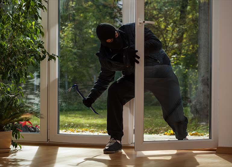 how burglars pick a house of high value to target